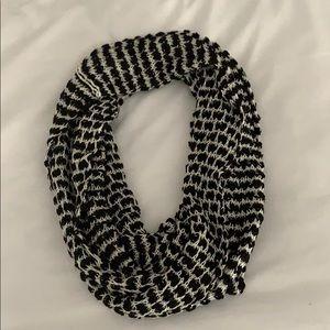 Pins &  needles scarf